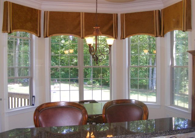 Different Ideas For Dressing Bay Windows Interior Design