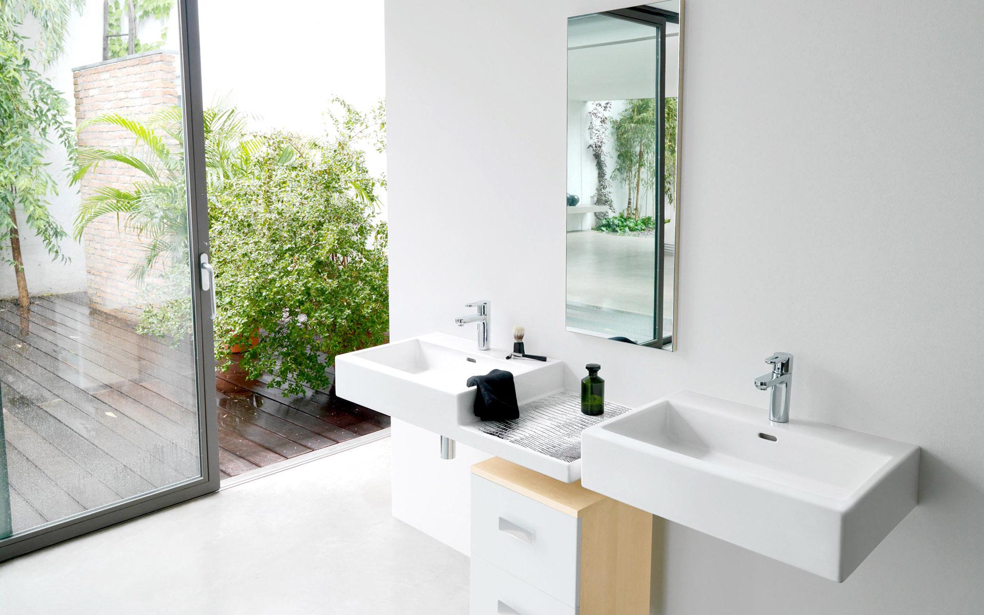 white-Bathroom_designs white Bathroom designs