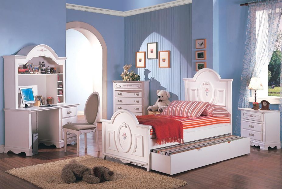Modern Young Girls Bedroom