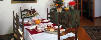 small dining table idea