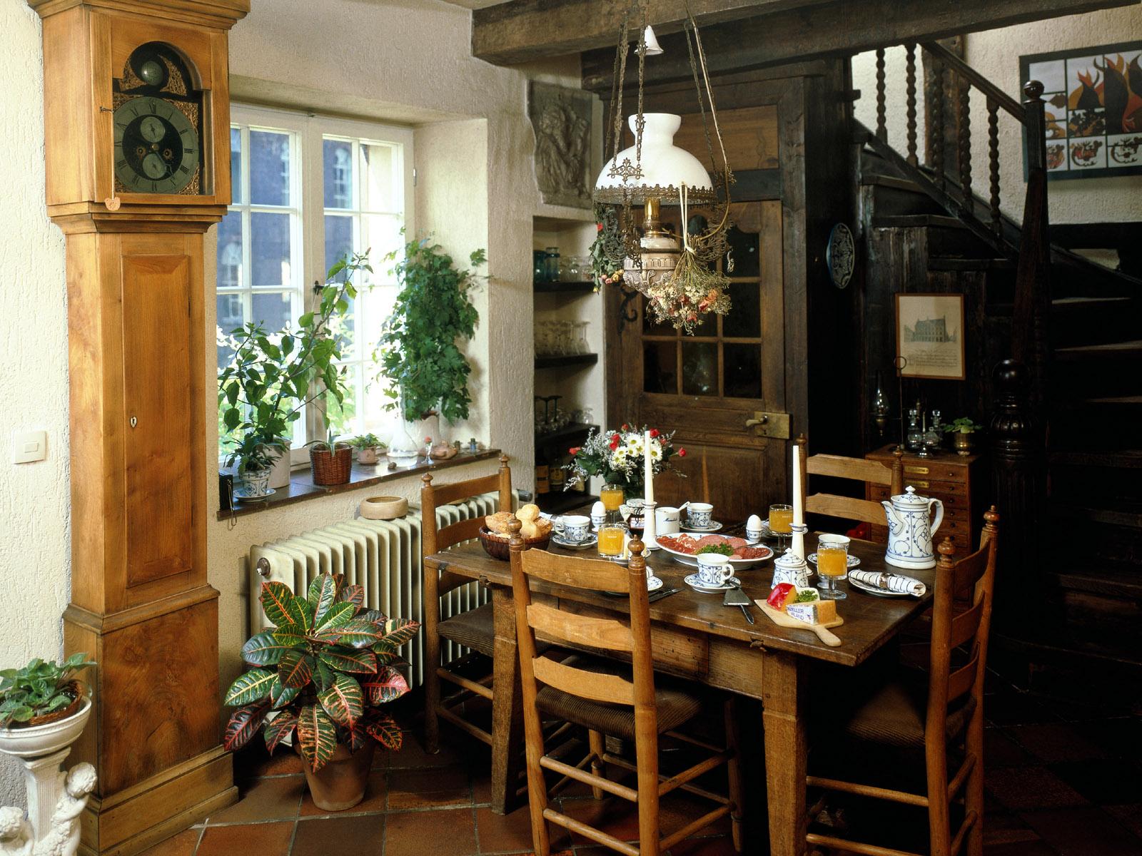 small-dining-table-idea1 small dining table idea