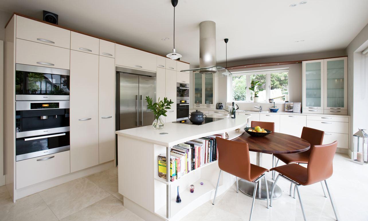 light-colored-tiles-kitchen Embroidering Kitchen Interiors - Kitchen design idea