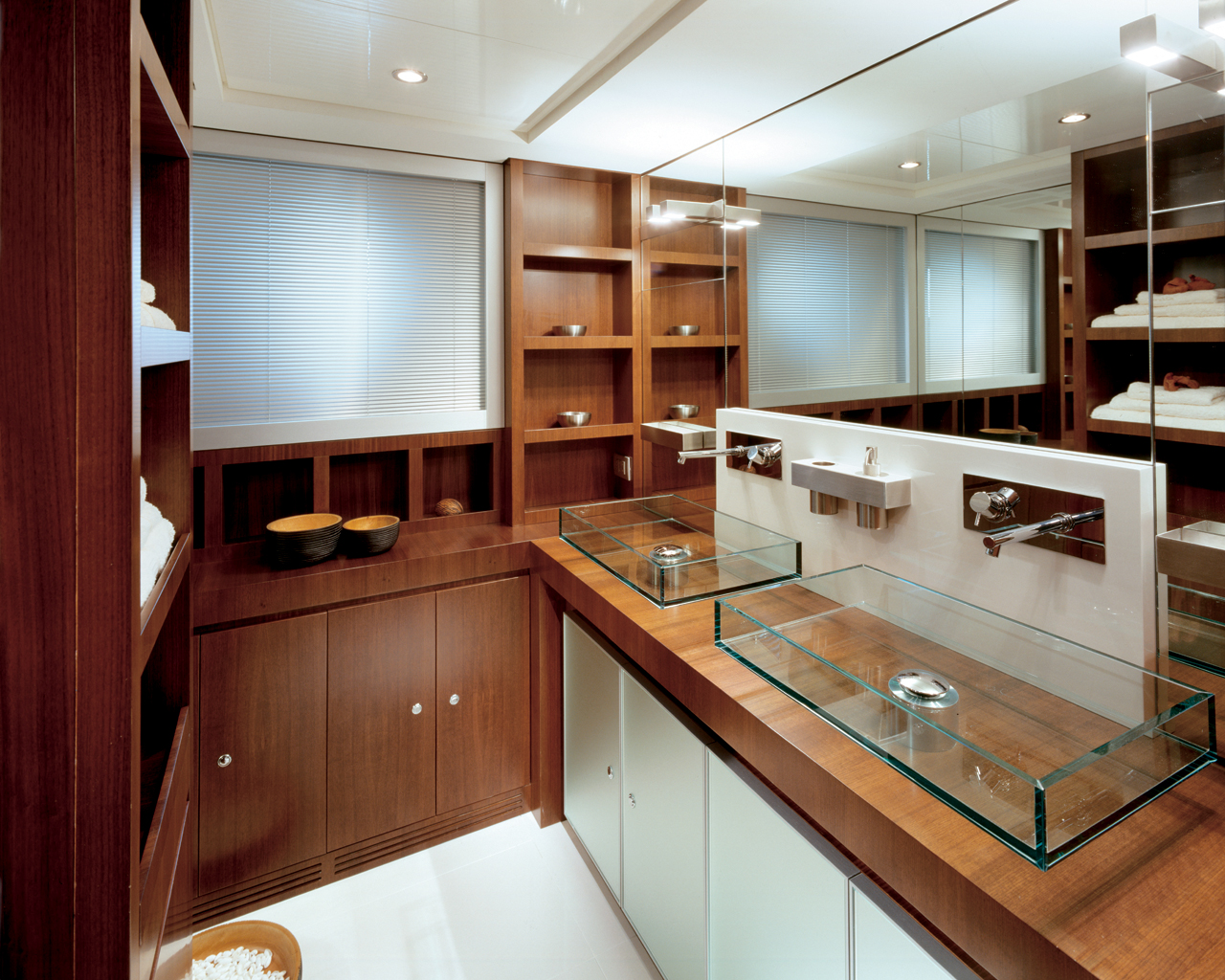 yacht-kitchen-interior-idea yacht kitchen interior idea