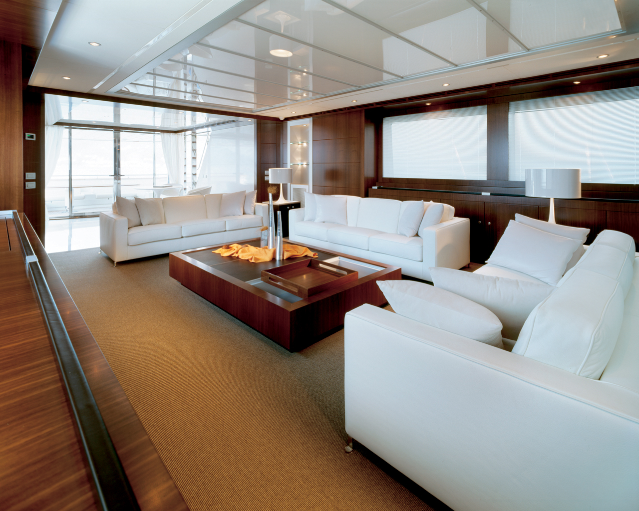 yacht-sitting-room-interior yacht sitting room interior