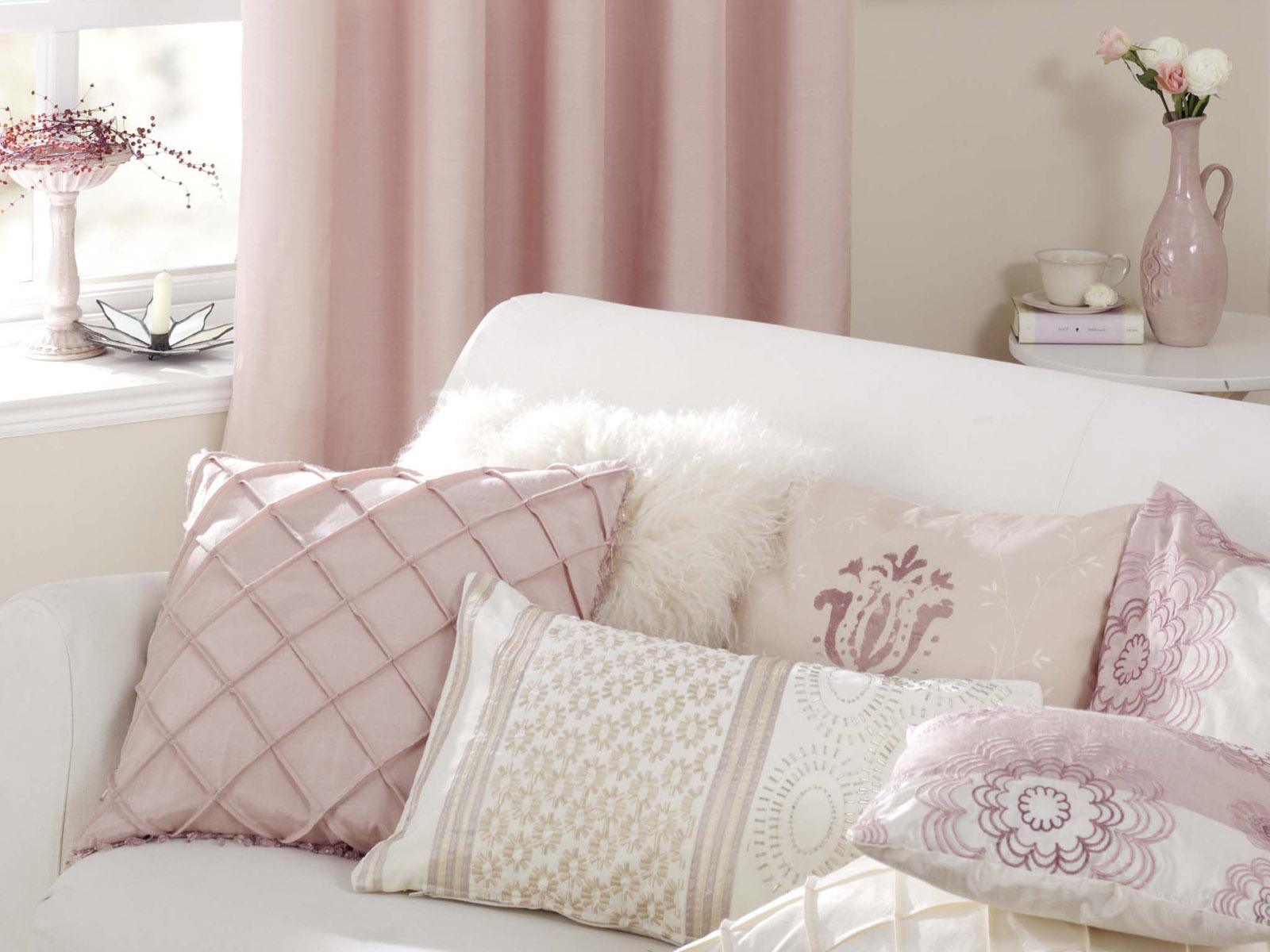 Soft-Living-Room-Cusions Soft Living Room Cusions