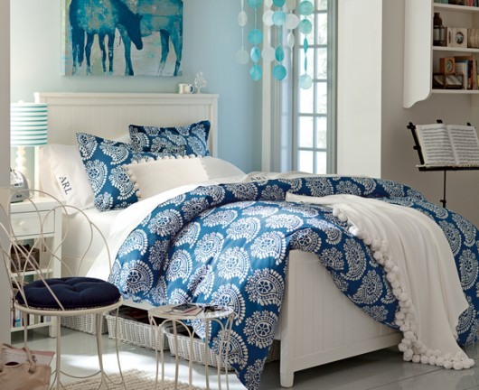 blue-shade-teen-girls-bedroom Choosing Best Color Scheme for a Teen Girl's Bedroom