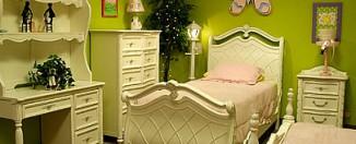 green teen girls bedroom idea