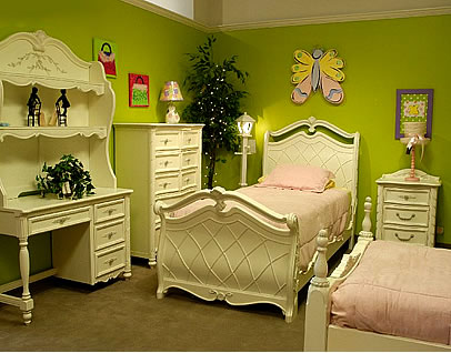 green teen girls bedroom idea