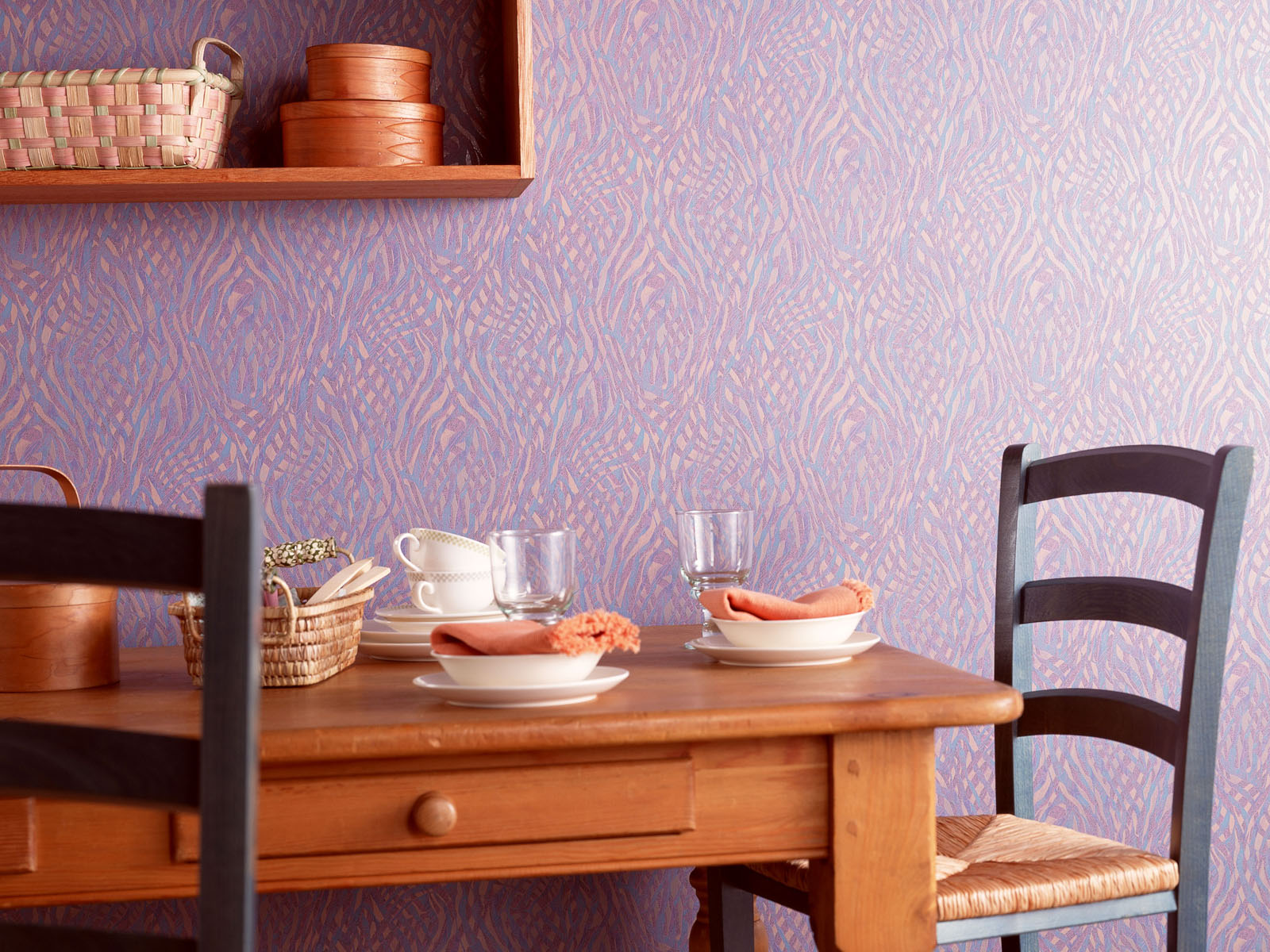 breakfast-table-in-a-kitchen Simple breakfast table in a kitchen