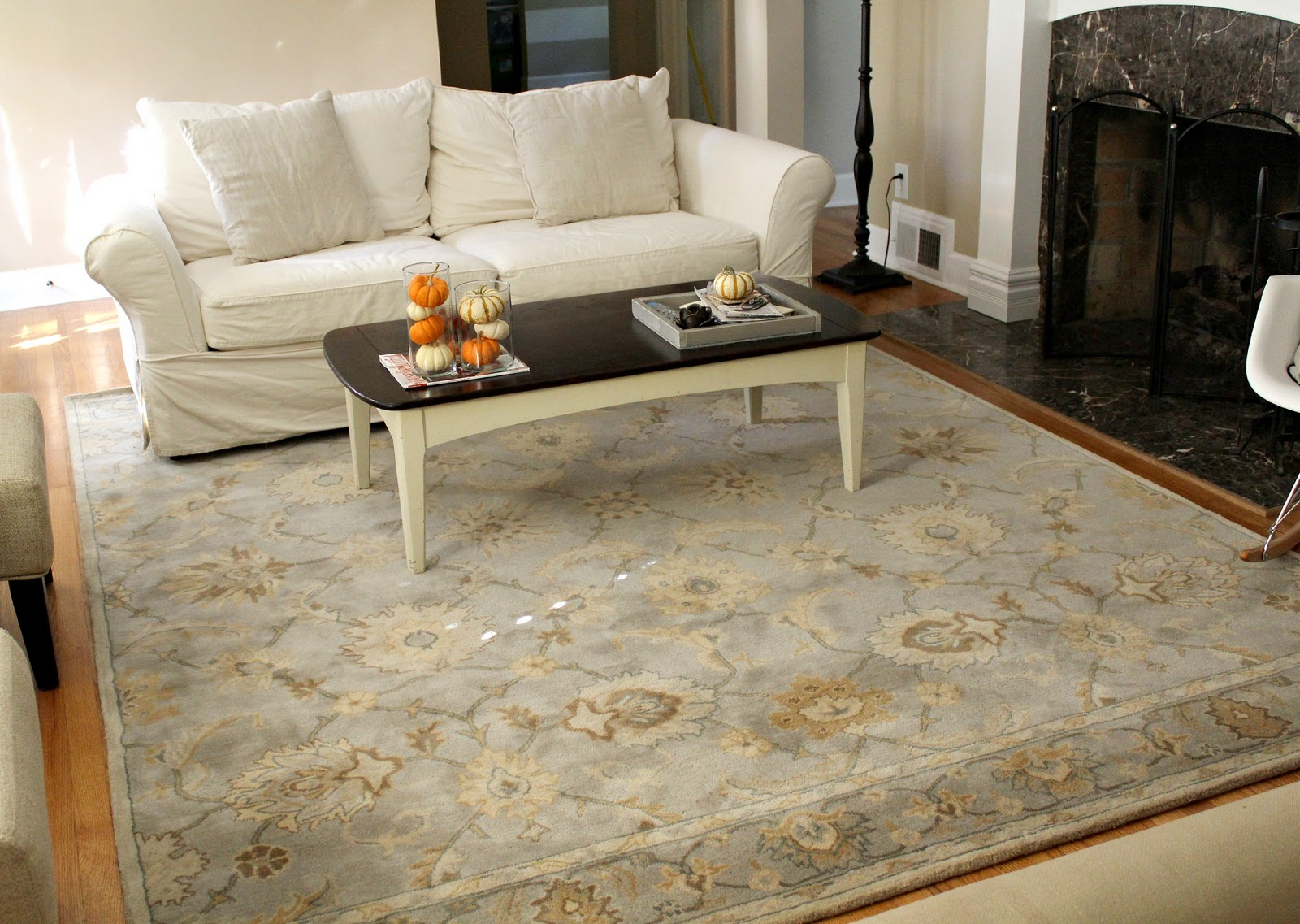 Choosing best rugs for living room | Interior design ideas