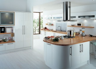 Stylish open Comfortable Shaped Kitchen