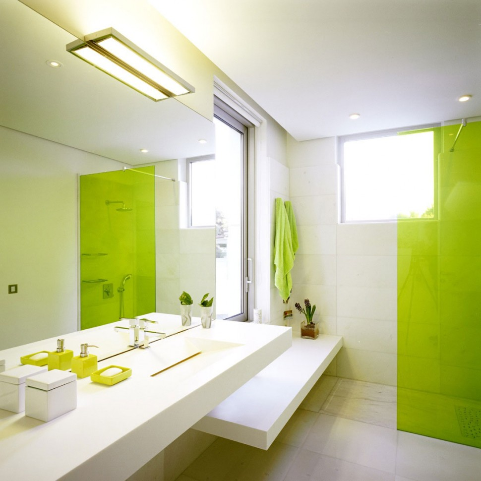 Specular modern green bathroom design idea