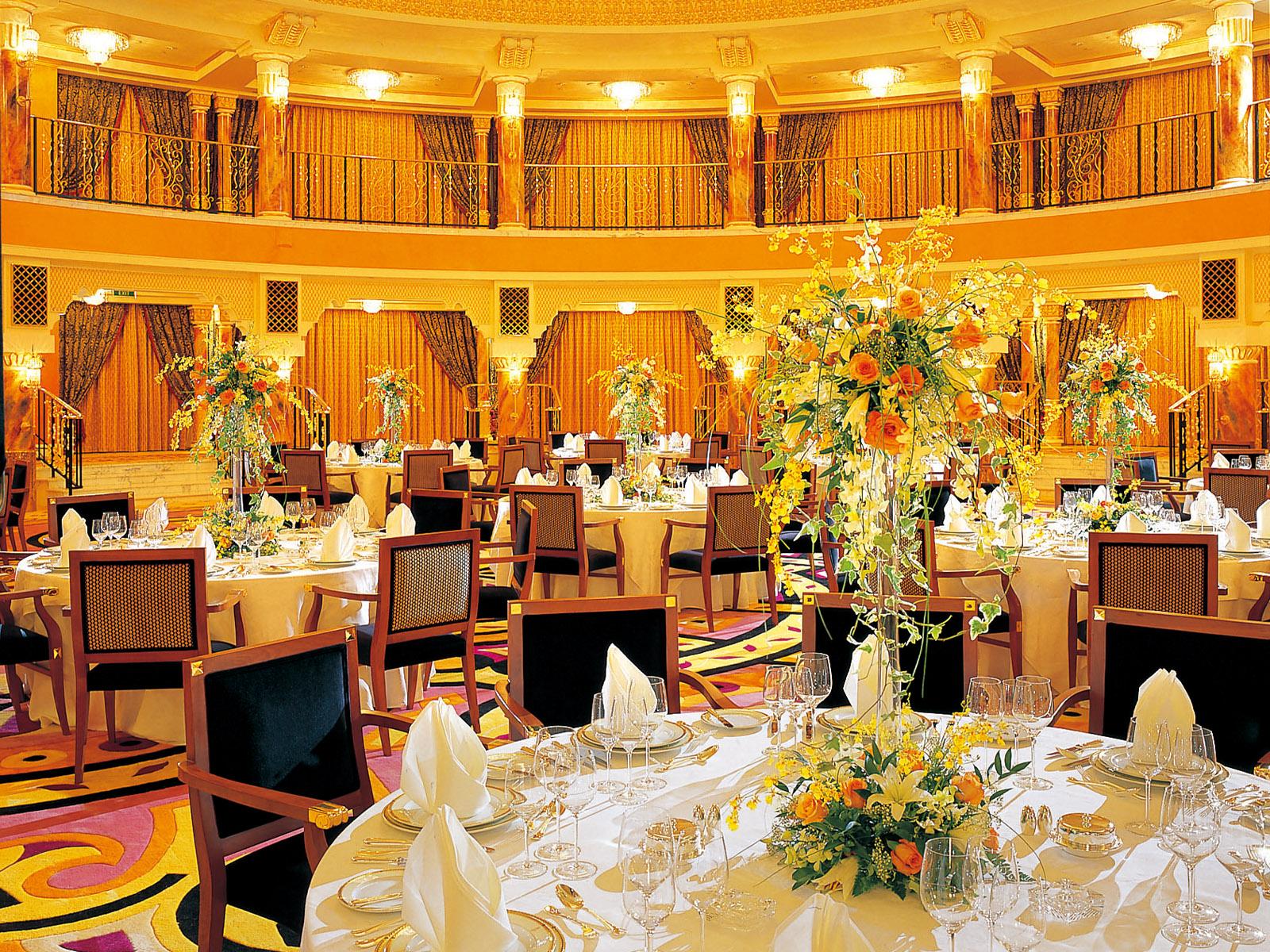 yellow-scheme-hotel-interior yellow scheme hotel interior