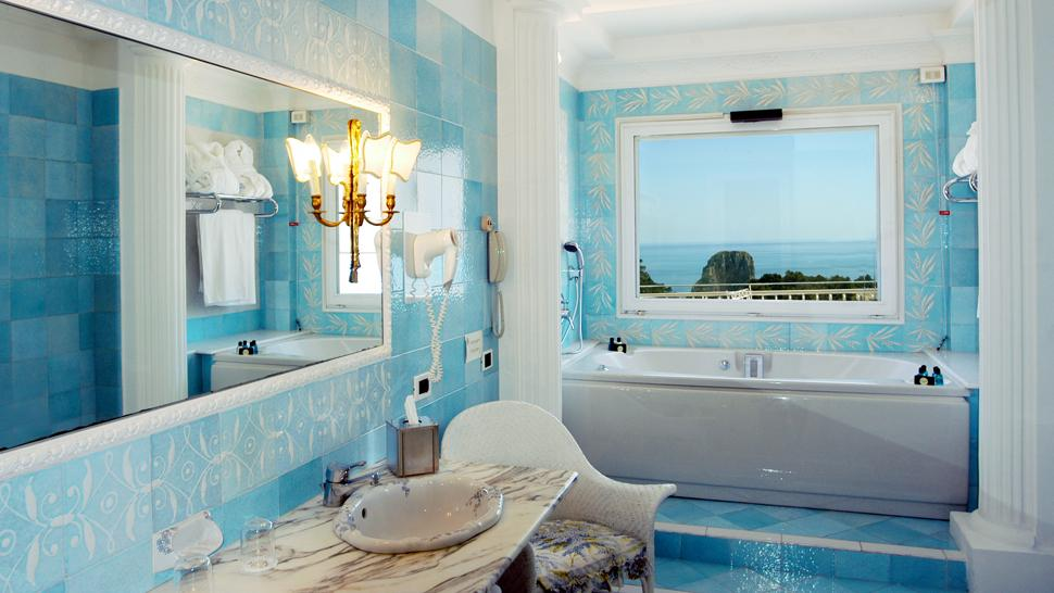 awesome blue colored bathroom