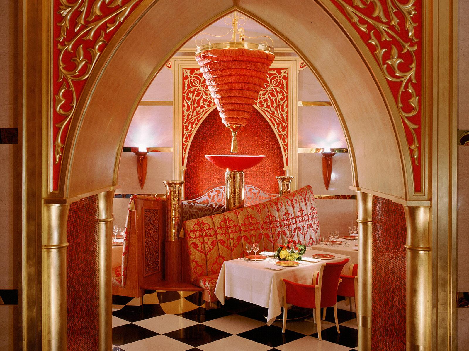 Palace Theme Hotel Interior Design Ideas
