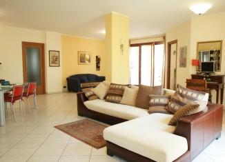 Simple living room organization