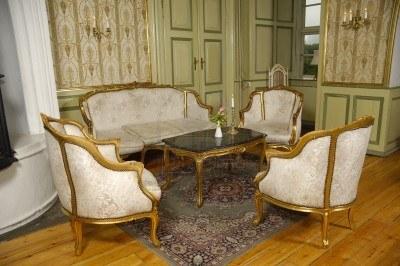 Antique-Furniture-5 How to Maintain Antique Furniture