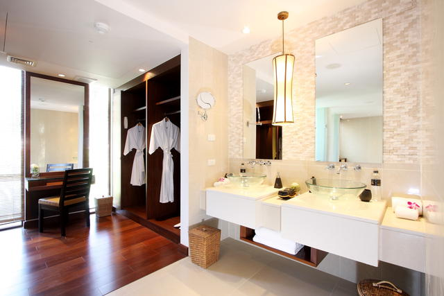 Modern bathroom with wardrobe and dressing table for Bathroom dressing ideas