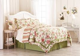 download-2 How to decorate bed in floral theme