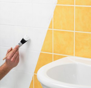 painting-ceramin-tiles-300x289 Ideas to change the look of a bathroom