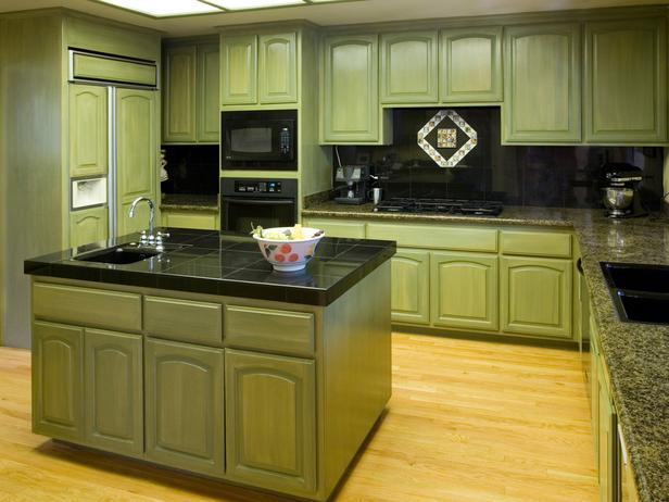 TS-140465873_green-kitchen-cabinets_s4x3_lg How to decor kitchen?