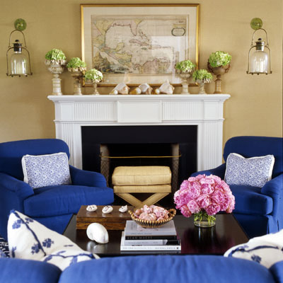 ghk-decorating-with-color-14-lgn-962372791 How to introduce cobalt blue color in room without getting overwhelmed