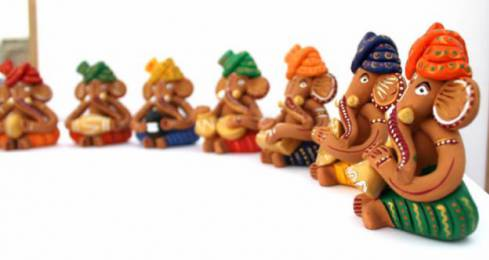 69829_p3_traditional-indian-art-handicraft-terracotta-corporate-gifts-earrings-handmade-etc-gujarat