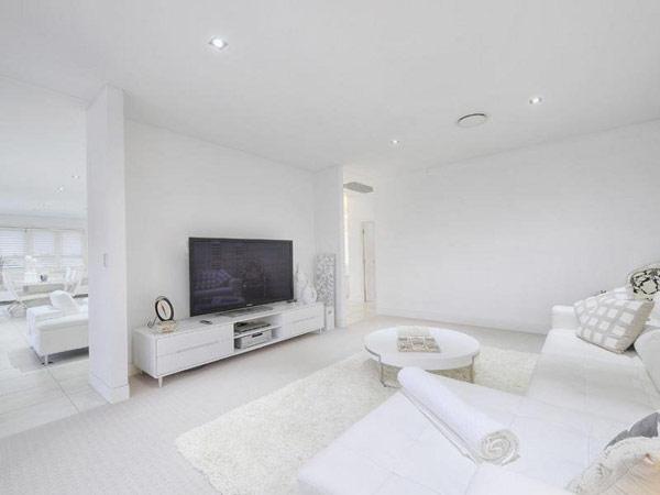 white-home-14