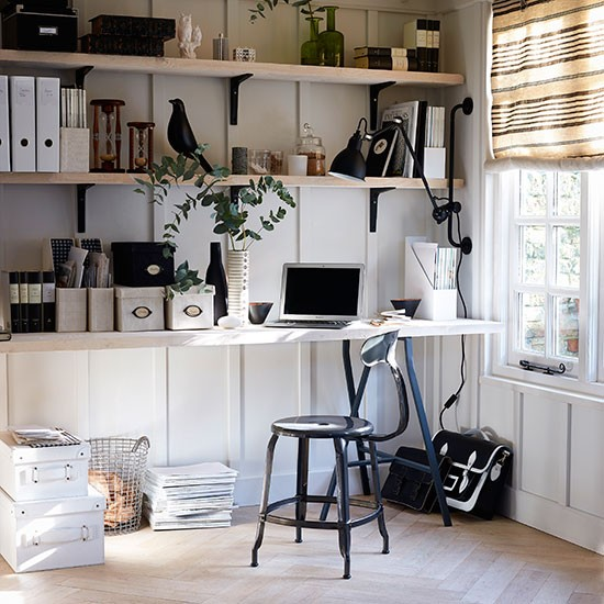 White-and-Black-Home-Office-Homes-and-Gardens-Housetohome