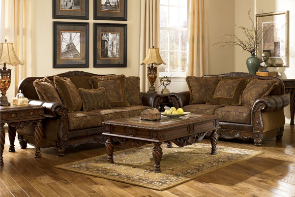 traditional-furniture-styles-living-room-smdo4p3z