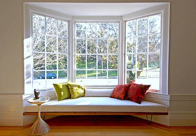Creative ideas on how to decorate a bay window interior for Creative window designs