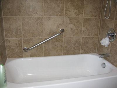bathroom-tile-tub-surround