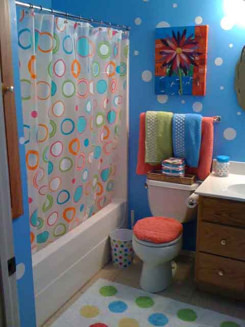 polka-dot-bathroom How to style female bathroom?